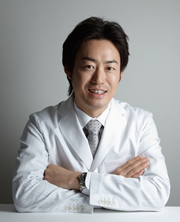 Cosmetic Surgeon and Director of Theory Clinic:Yusuke Tsutsui